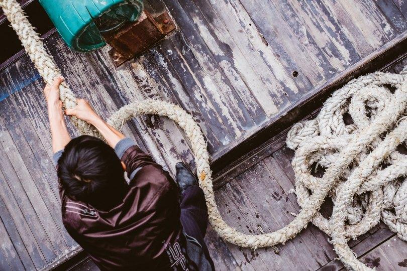 Unsplash rope tug stijn-swinnen-145895